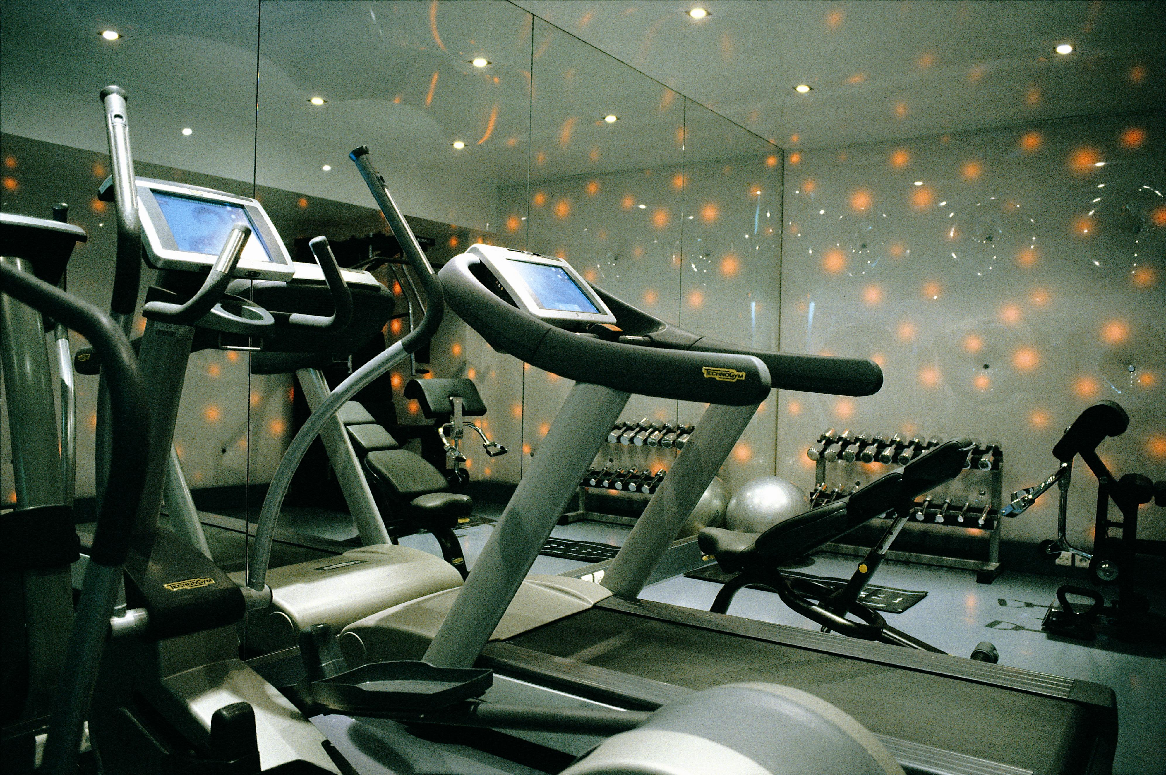 38/FITNESS/fitness_area_1k_hotel_paris.jpg